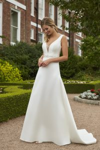 Taffeta and Lace wedding dresses Gloucester 2019_romantica_moira-001