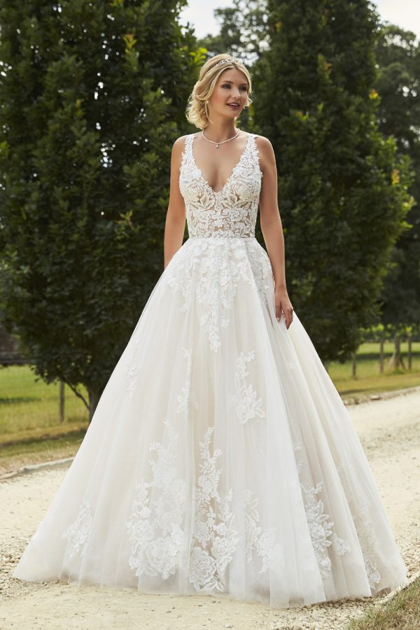 Taffeta and Lace wedding dresses Gloucester 2019_romantica_symphony-001
